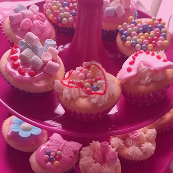 thelittlediva-cupcakes-pink-new.png